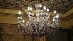 Wykwintne żyrandole i współczesne oświetlenie do domu i mieszkania