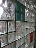 Części umeblowania szklane, które ulepszą design wnętrz w niejednym mieszkaniu